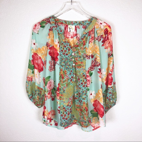 2c64a9baa98565 Anthropologie Tops | Fig And Flower Top Size S | Poshmark